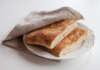 Brödkaka på havregryn gröt bröd